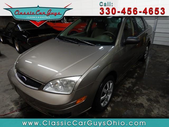 2005 Ford Focus   955759
