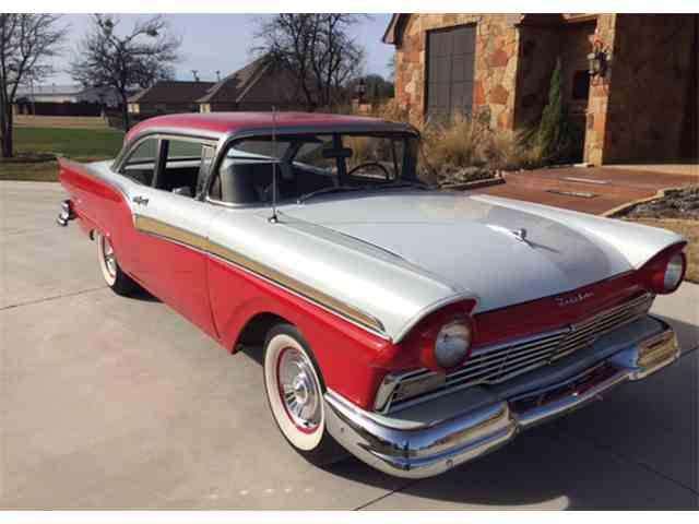 1957 Ford Fairlane | 956162