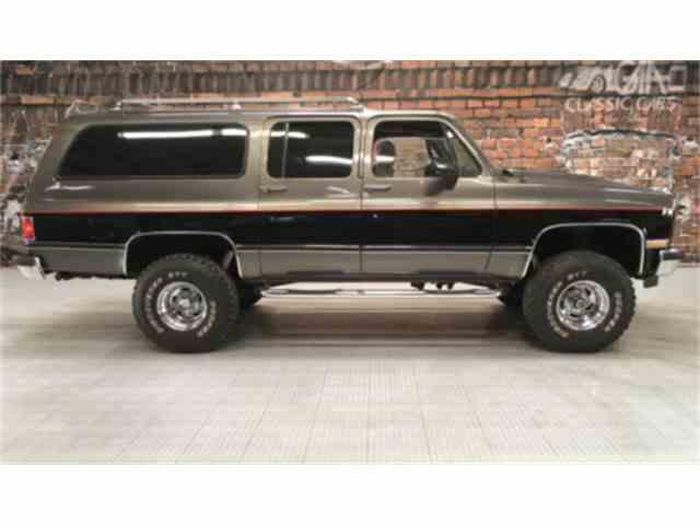 1990 Chevrolet Suburban | 956232