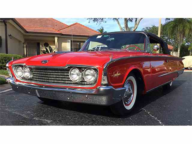 1960 Ford Galaxie Sunliner Convertible | 956815
