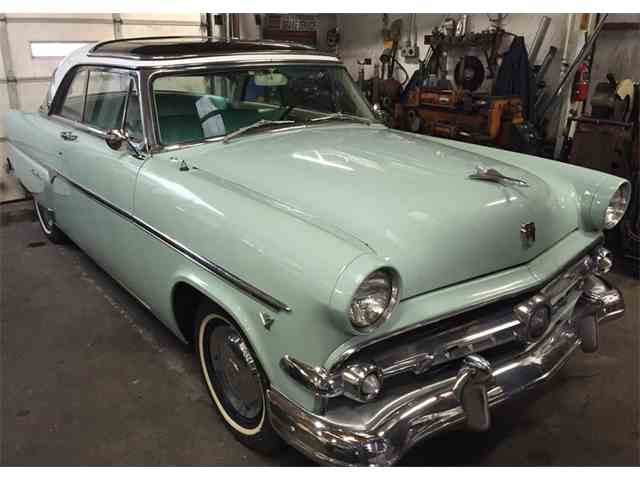 1954 Ford Crestline | 956922