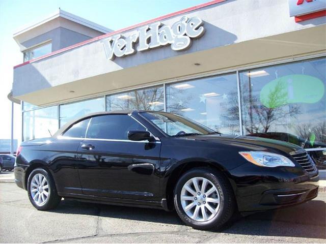 2012 Chrysler 200 | 957052