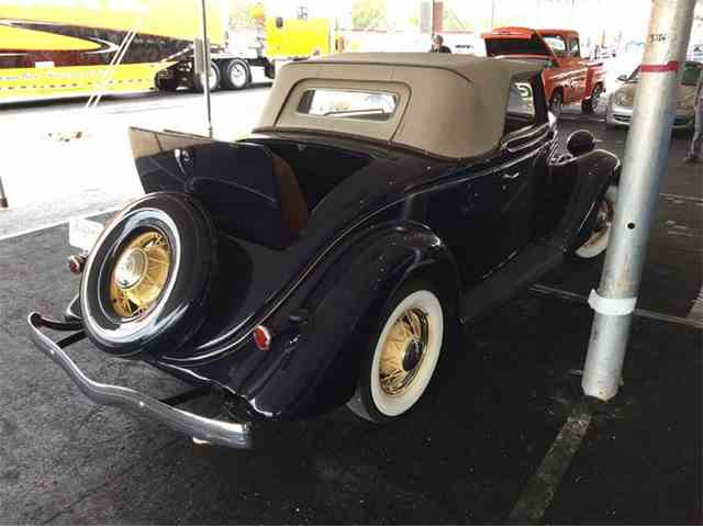 1935 Ford Deluxe | 957072