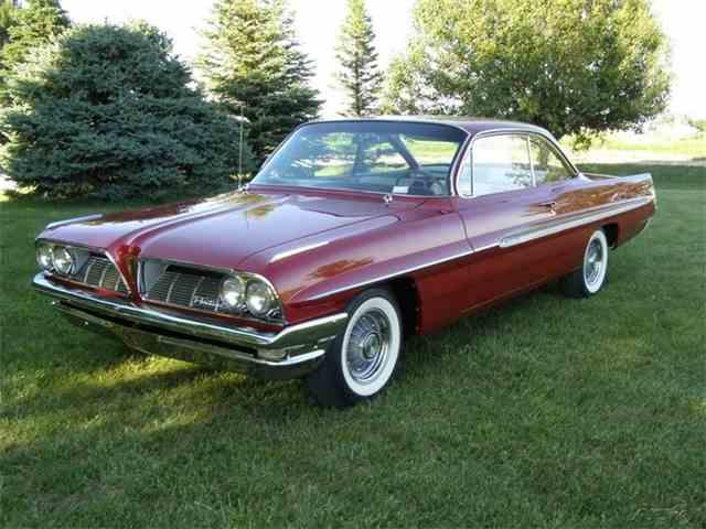 1961 Pontiac LeMans   957255