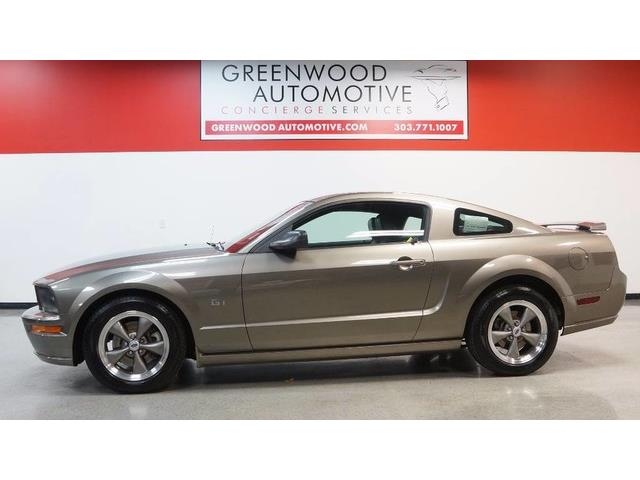2005 Ford Mustang | 957366