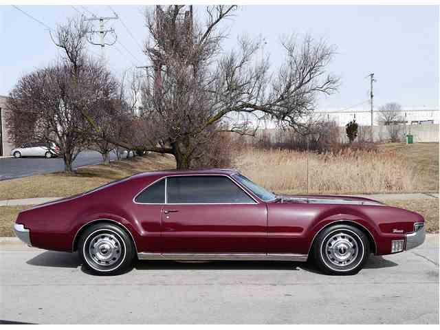 1966 Oldsmobile Toronado | 957433