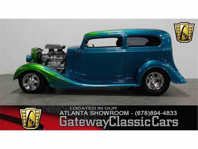 1934 Chevrolet Sedan | 957815