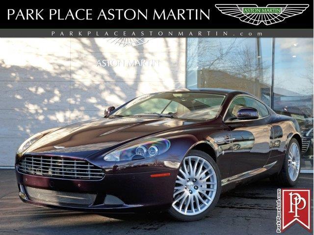 2011 Aston Martin DB9 | 957880