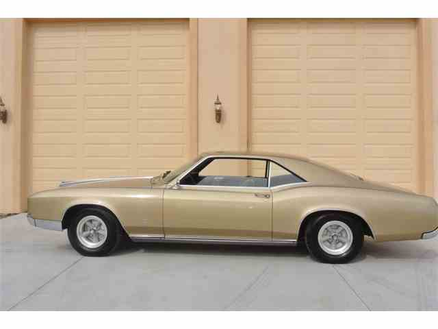 1966 Buick Riviera | 957990