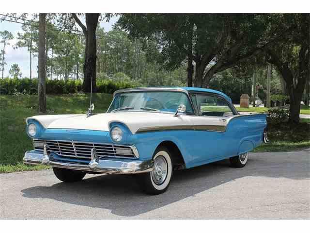 1957 Ford Fairlane 500 | 958023