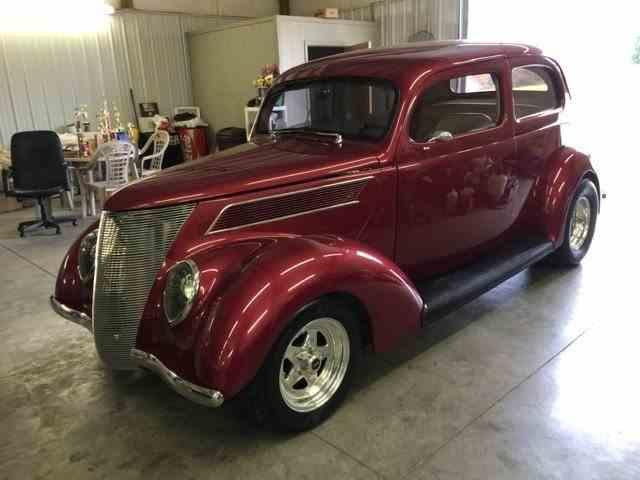 1937 Ford Custom | 958040