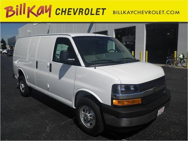 2017 Chevrolet Express | 958144