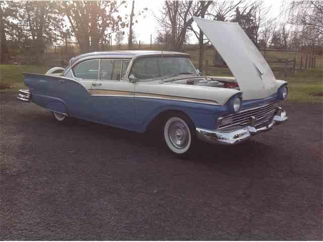 1957 Ford Fairlane 500 | 958236