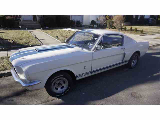 1965 Ford Mustang | 958261