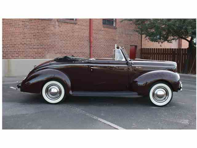 1940 Ford Deluxe Coupe | 958276