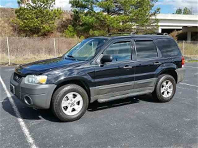 2005 Ford Escape | 958361