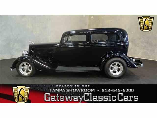 1934 Ford Tudor | 950879