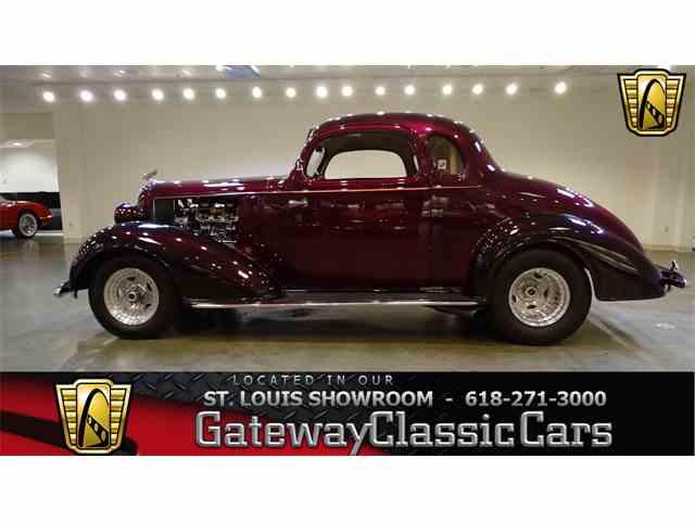 1935 Chevrolet Deluxe | 958855