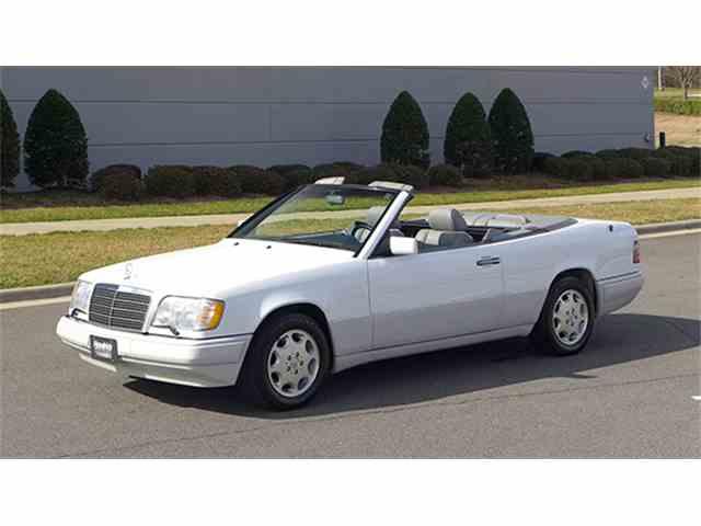 1995 Mercedes-Benz E320 | 958875