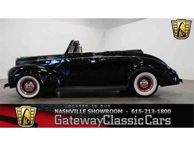 1940 Ford Sedan | 950947