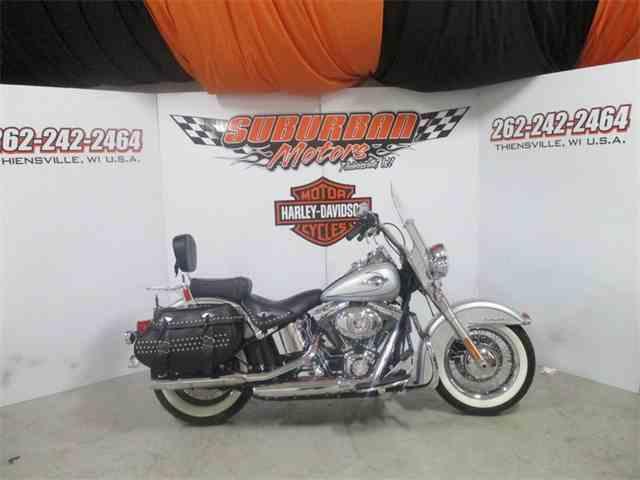 2010 Harley-Davidson® FLSTC - Heritage Softail® Classic | 959695