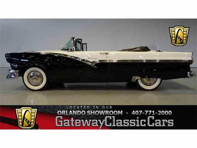 1956 Ford Fairlane | 950977