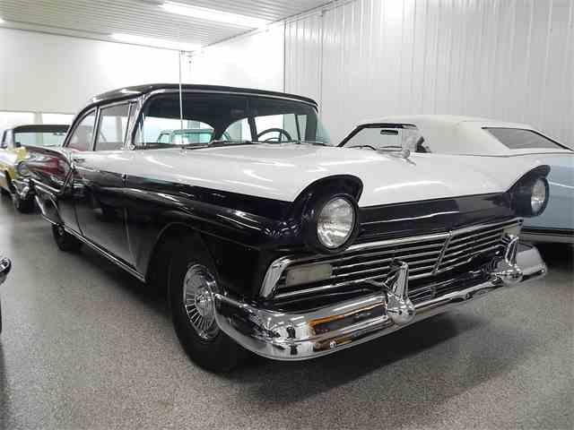 1957 Ford Fairlane | 959867