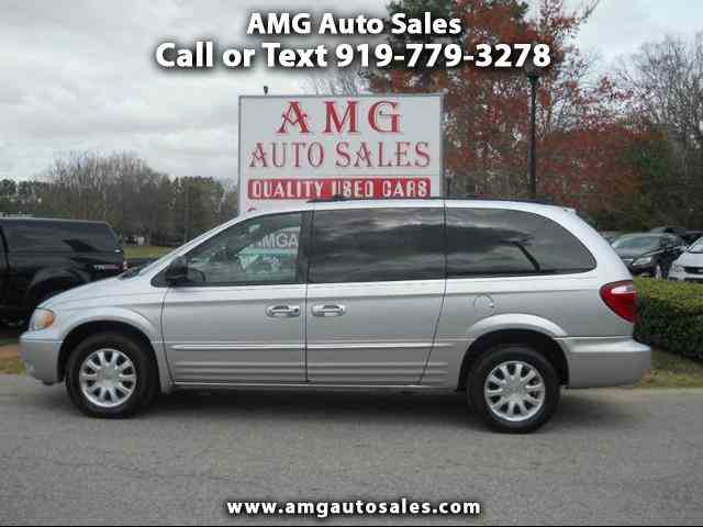 2003 Chrysler Town & Country | 962572