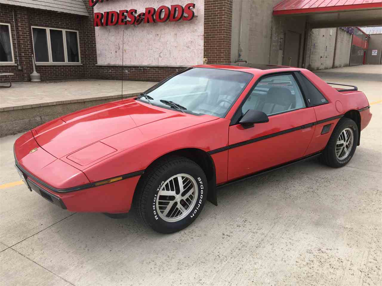 1984 pontiac fiero for sale cc 962833. Black Bedroom Furniture Sets. Home Design Ideas