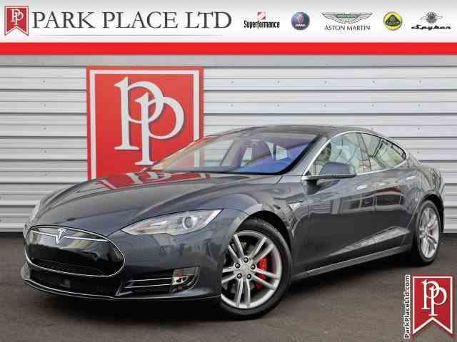 2015 Tesla Model S   962950