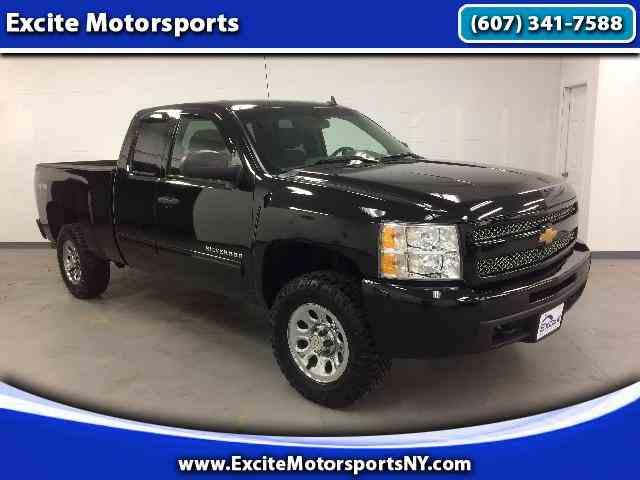 2011 Chevrolet Silverado | 963788