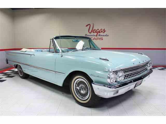 1961 Ford Sunliner | 963878