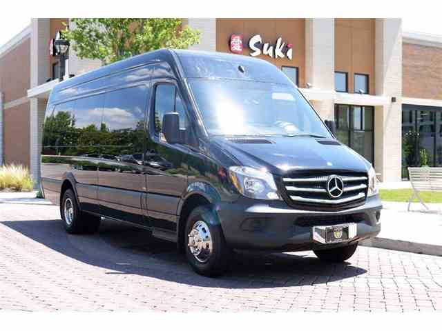 Classic mercedes benz for sale on 1 010 for Mercedes benz recreational vehicles
