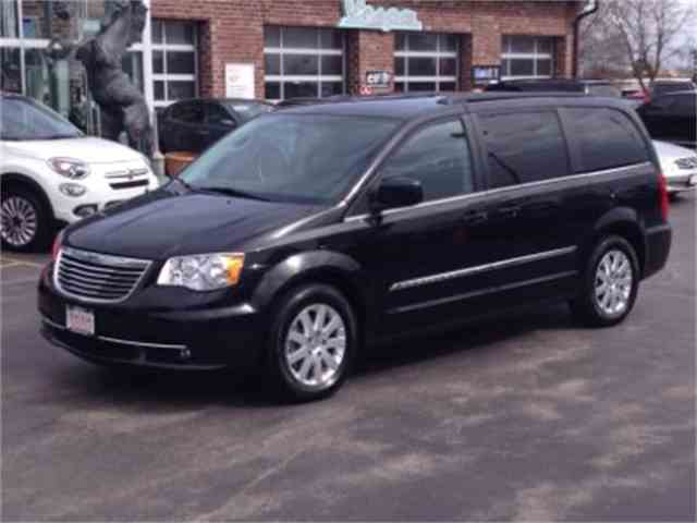 2015 Chrysler Town & Country | 964494