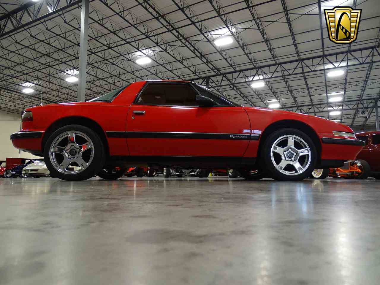 Large Picture of '90 Buick Reatta located in DFW Airport Texas Offered by Gateway Classic Cars - Dallas - KOB1