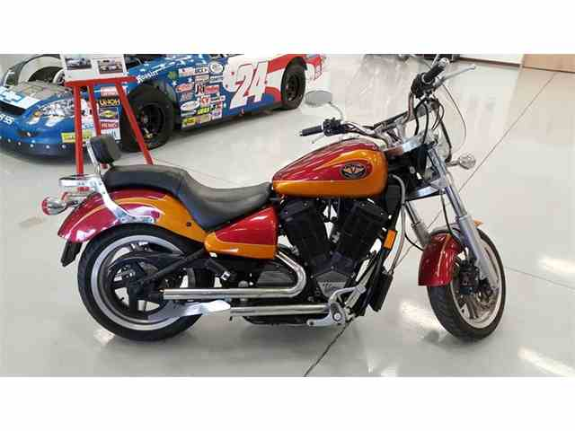 2000 Victory Motorcycle   964995
