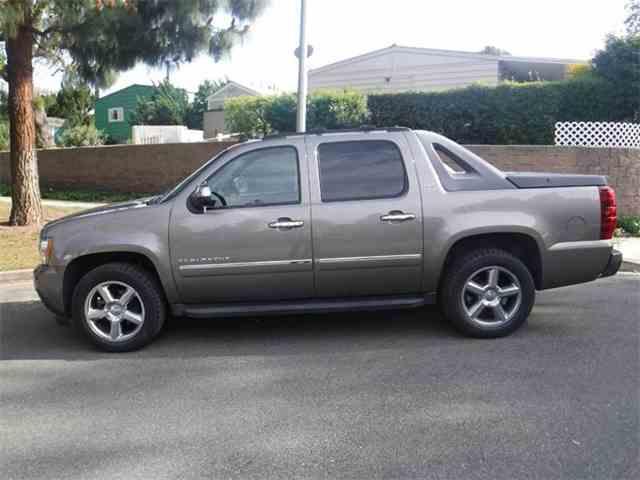 2011 Chevrolet Avalanche | 966200