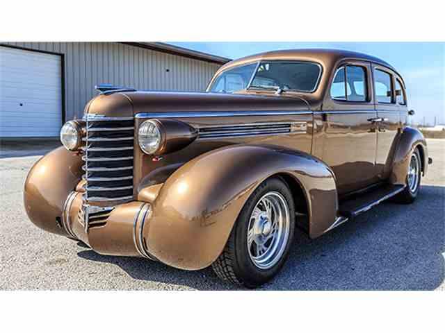 1936 Oldsmobile Four-Door Sedan Custom | 966286