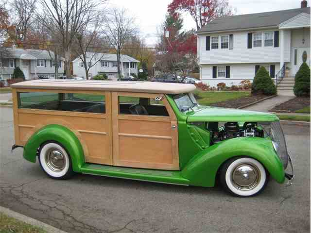 1937 Ford Deluxe Woody Wagon | 966378