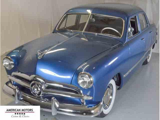 1949 Ford Custom Deluxe | 966556