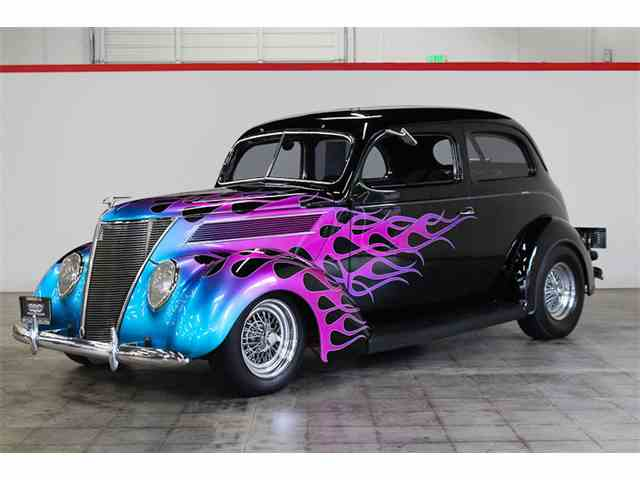 1937 Ford Tudor | 966642