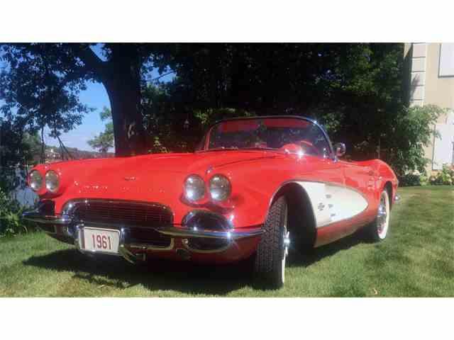 1961 Chevrolet Corvette | 966880