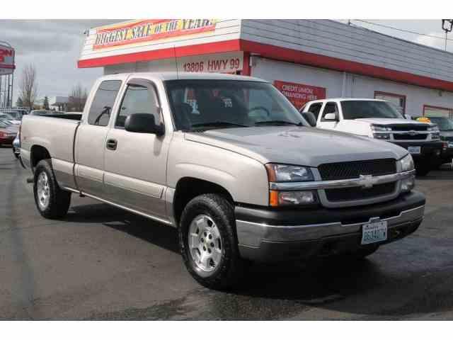 2004 Chevrolet Silverado | 967188