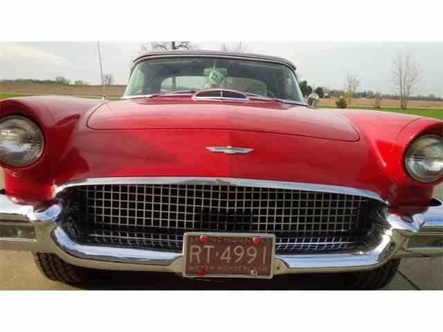 1957 Ford Thunderbird | 968158