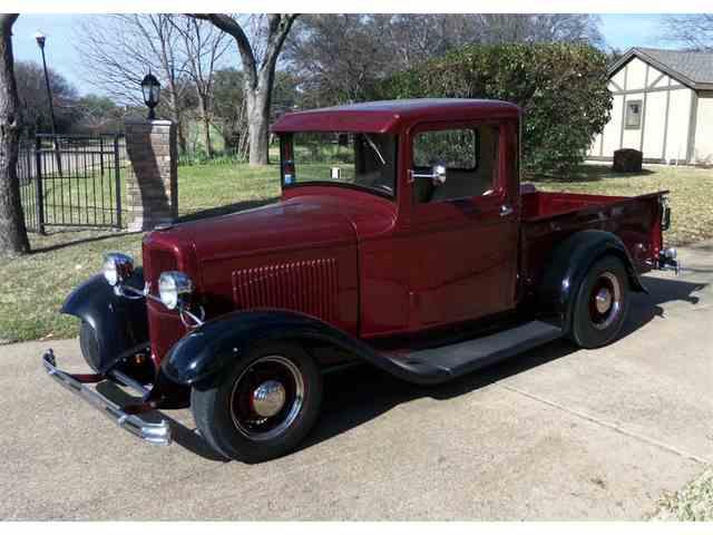 1932 Ford Custom | 968741