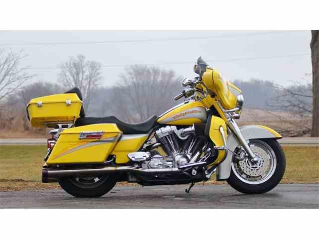 2005 Harley-Davidson FLHTCSE2 Screamin Eagle | 969287