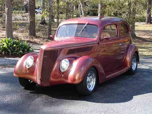 1937 Ford 2-Dr Sedan | 969680