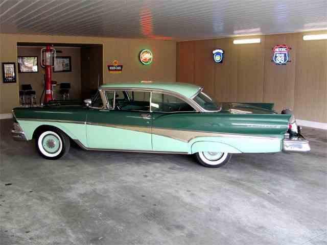 1958 Ford Fairlane | 970120