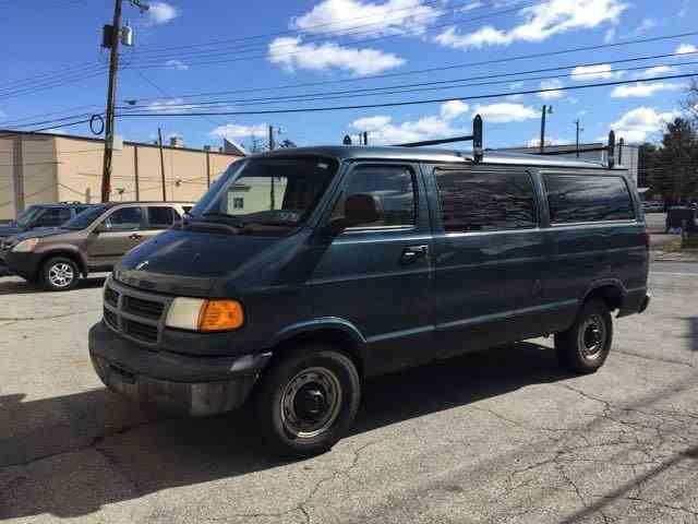 1997 Dodge Ram Van | 971584