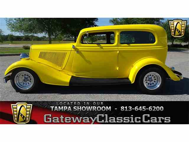 1934 Ford Tudor | 972270